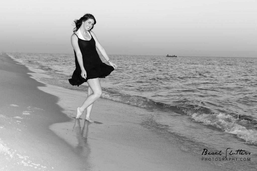 senior photos at the beach