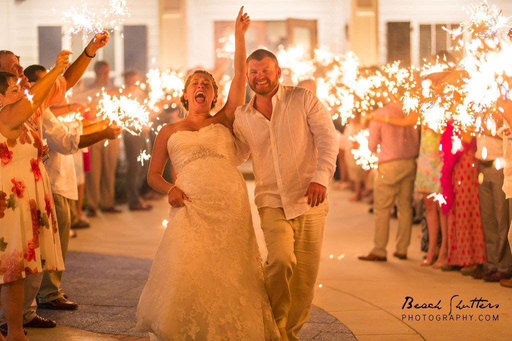 Photographer in Orange Beach Alabama takes family and wedding photos