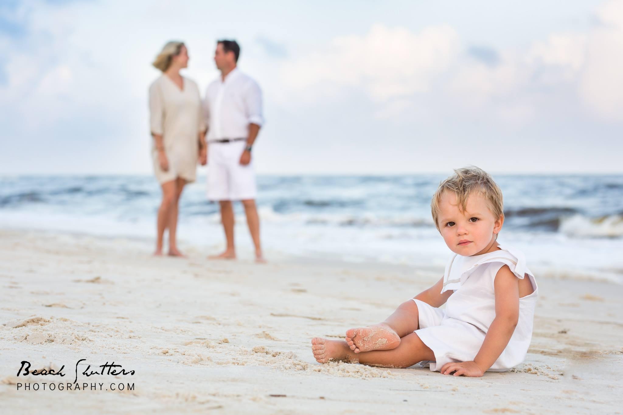 photographer in Orange Beach Alabama khaki and white family