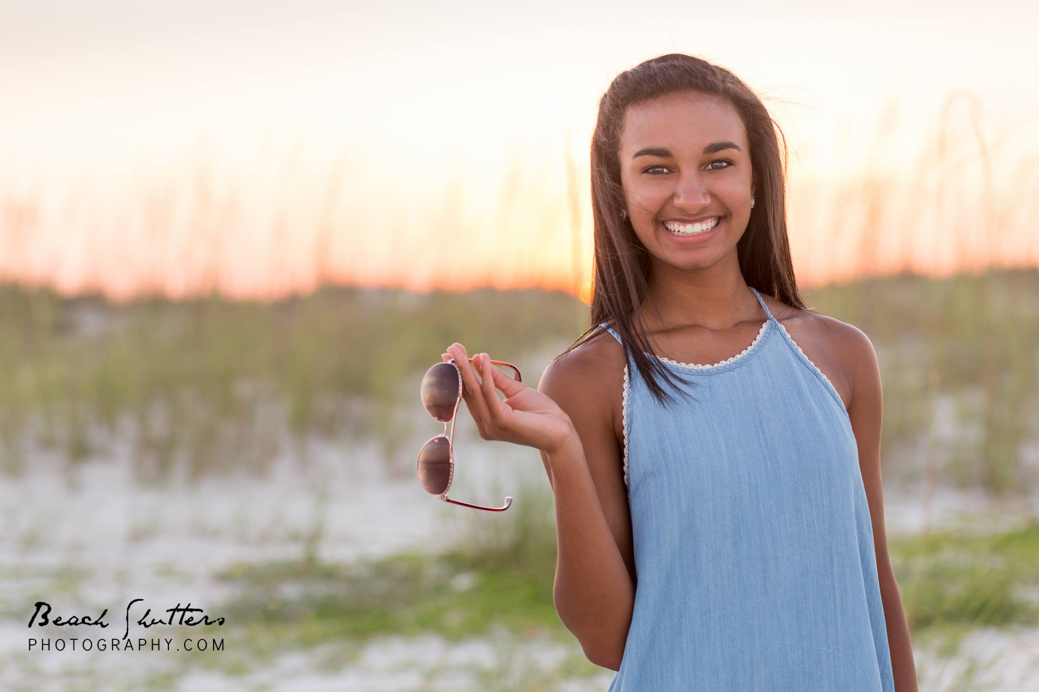 Senior portrait sessions at the beach