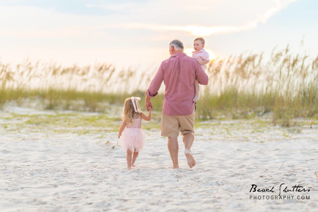 Gulf Shores Photographer takes candid lifestyle photos.